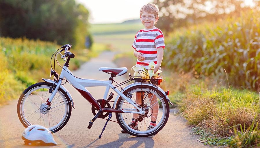 Lär ditt barn att cykla på säkert vis